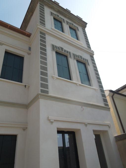 Facciata villa storica